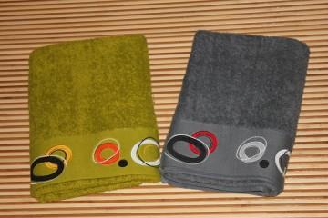 Towel (202)