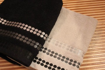 Towel (240)
